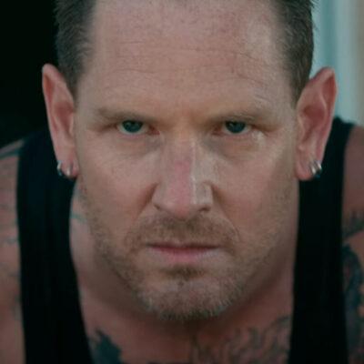 Corey Taylor estrena videoclip de 'Black Eyes Blue'