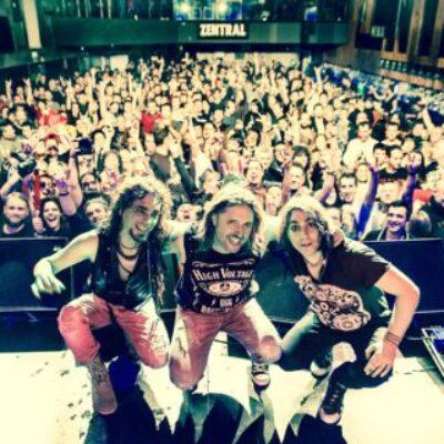 Ciclonautas; la banda hispano argentina presenta su nuevo video «Loca».