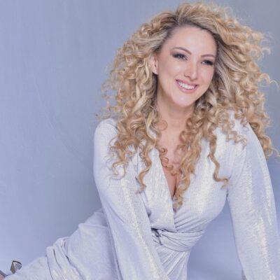 Erika Ender, la mujer que batió los récords de la música lanzó su nuevo álbum «MP3-45»