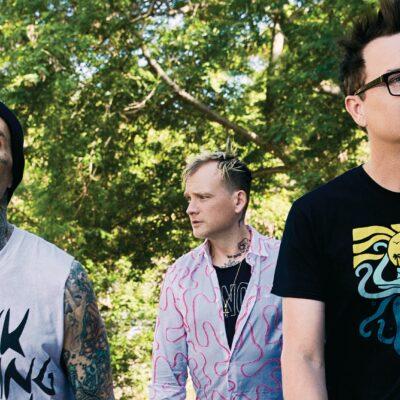Travis Barker confirma que Blink-182 lanzará un nuevo álbum este año