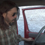 Dave Grohl y Foo Fighters exploran las camionetas de gira en el Documental «What Drive us»