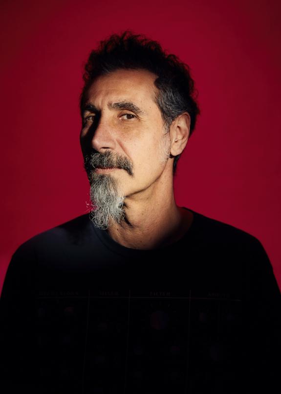 """Serj Tankian, vocalista de System Of A Down, estrenó el lyric video de """"Your Mom"""""""