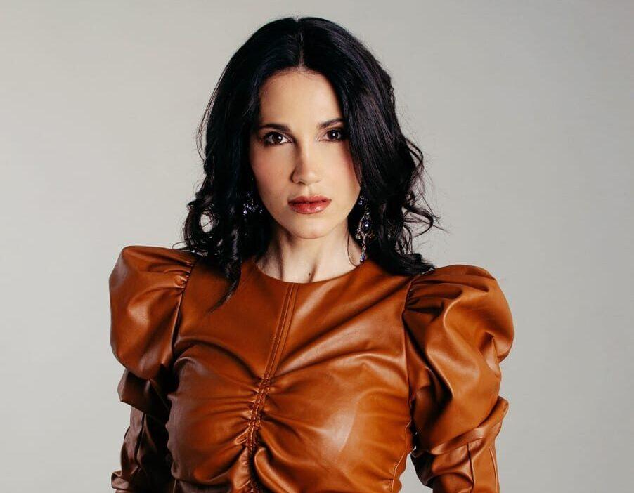 """Laura Sky estrena el video de """"Loca Loca"""""""